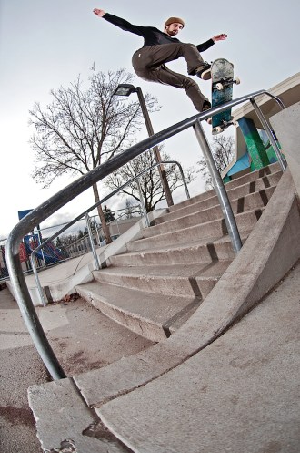 Jon Nguyen fakie back lip