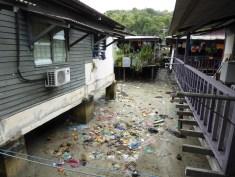 Sim Sim sea village - the littering view