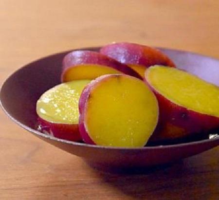 小さなサツマイモ