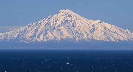 海からの利尻富士