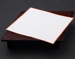 鯛皿と紅白敷き紙