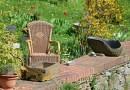 Jak oczyścić meble ogrodowe po zimie? Jak zadbać o nie podczas sezonu?