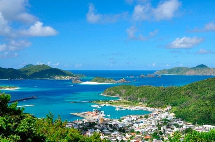 Qual a melhor época para visitar o Japão? - paisagem zamami 2