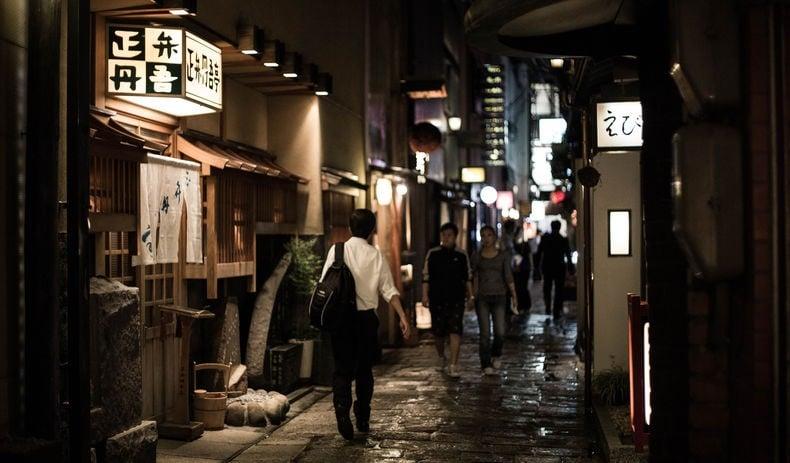 Osaka - hozenji yokocho alley