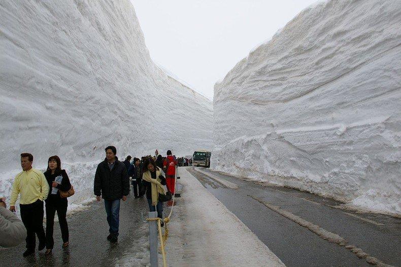 Imposto Sayonara - Agora terá que pagar para sair do Japão - snow corridor japan 5000 179 1