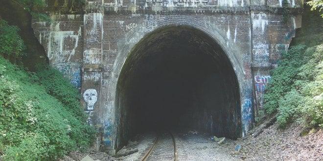 15 monstros, mitos e lendas japonesas - kiyotaki tunel 5