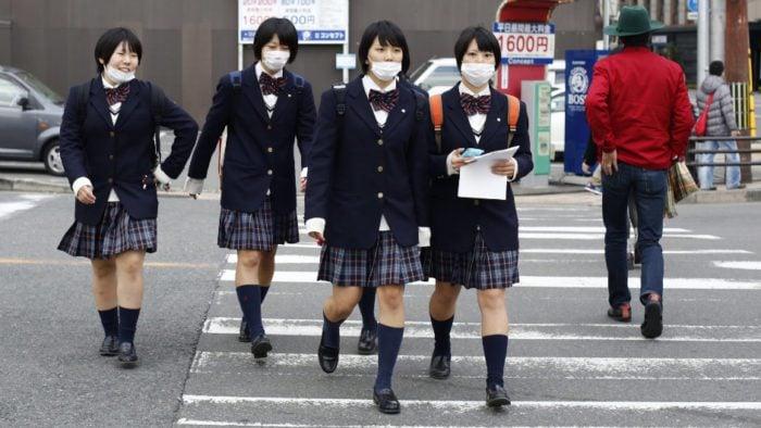 Uniforme Escolar Japonês - As saias são realmente curtas? - schoolgirl colegial escola 2
