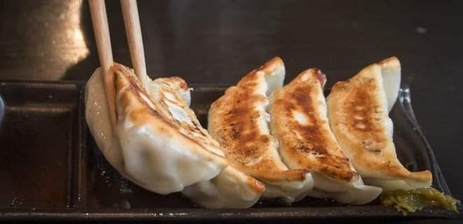 15 regras ao comer com o hashi (pauzinhos)