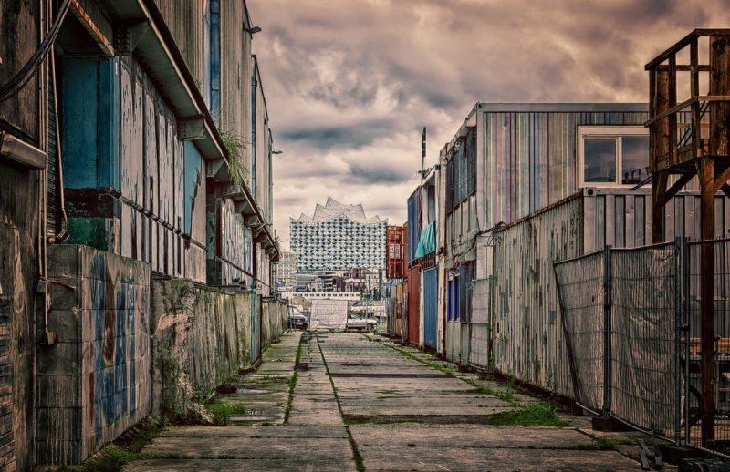 A dívida do Japão - O país está correndo risco? - poverty 1522429451 3