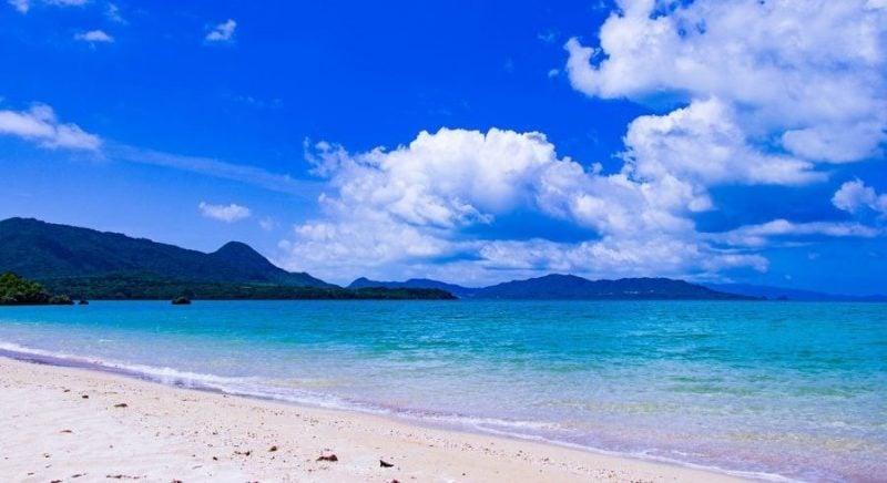 As 20 principais Cidades do Japão - praia de okinawa 1