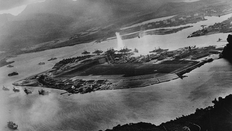 Por que o Japão atacou os americanos em Pearl Harbor ?