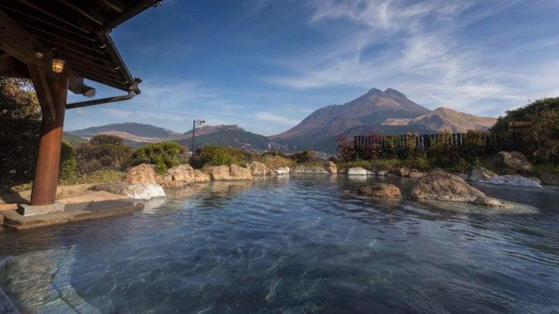 7 suối nước nóng nên ghé thăm ở Nhật Bản