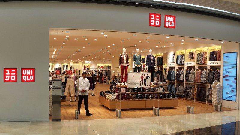 UNIQLO - A loja de roupas mais barata do Japão - uniqlo loja 1