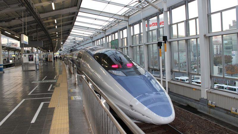 Tecnologias e leis de trânsito no Japão - trem japao 2
