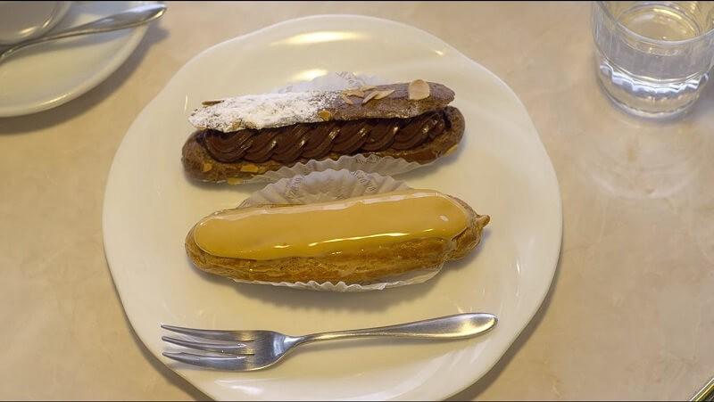 Caramel Eclair và Eclair sô cô la
