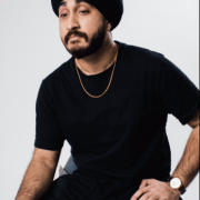 Sikh Comedian asked to take his turban off at San Francisco airport