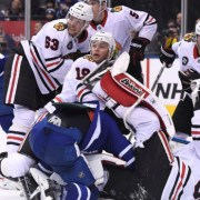 Leafs fall short of Blackhawks