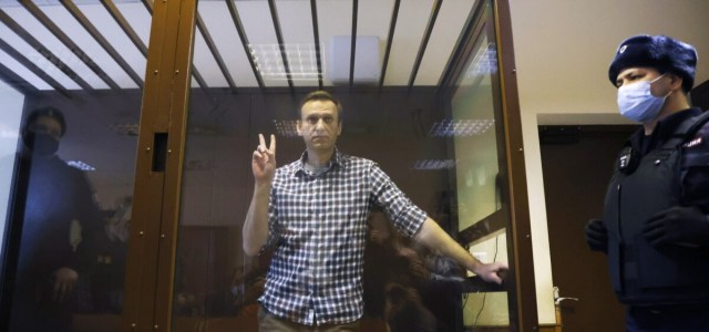Amnesty International revokes Navalny's prisoner of conscience status