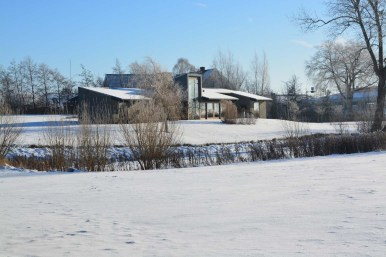 Landskabshus smukt placeret i Skelbæklund