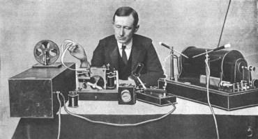 sejarah radio
