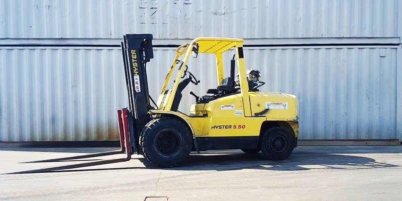 Electric vs Gas Forklift: Which one is more Efficient? « Forklifts