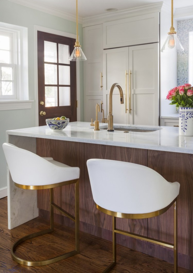 Design-Manifest-Walnut-island-with-white-perimeter-cabinets1-726x1024