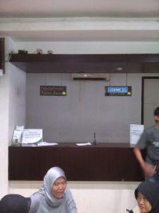 Tempat pendaftaran pasien baru terlihat kosong