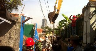 Dampak Proyek DDT, Rumah Warga Dua RW Kelurahan Menteng Dibongkar