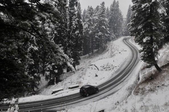 Οδήγηση σε χιόνι και πάγο: Τι πρέπει να γνωρίζουμε