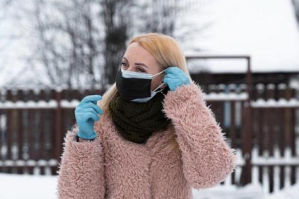 Κορωνοϊός: Έρχονται νέες οδηγίες για τις μάσκες – Πως θα φοράμε τη διπλή