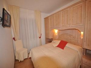 La Pinetina Residence double bedroom