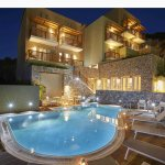 skiathos-mystery-hotel-night