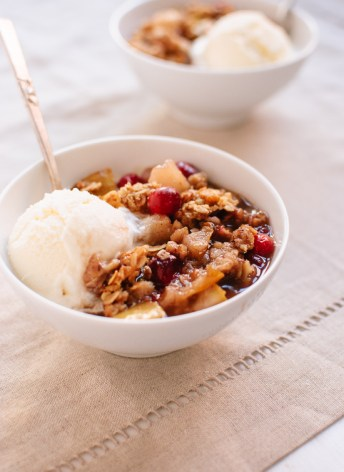 Gluten-Free Pear Cranberry Crisp