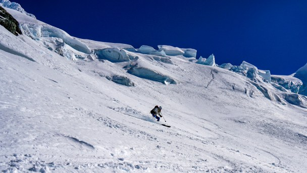 Hans skiing the Euginie Glacier
