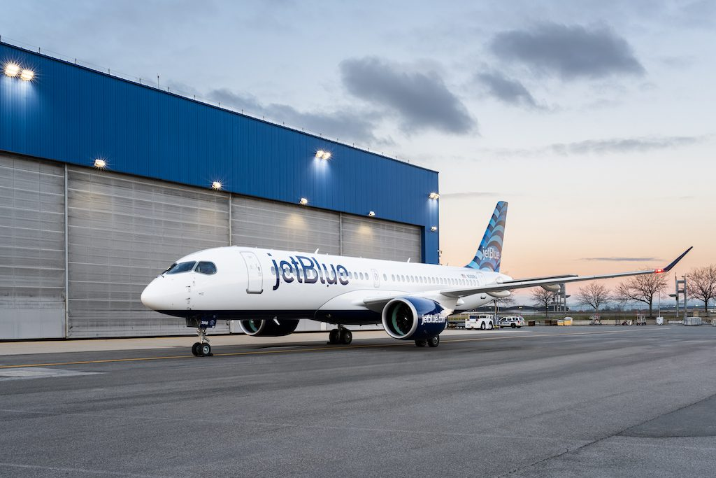 A220 Hangar JFK 2