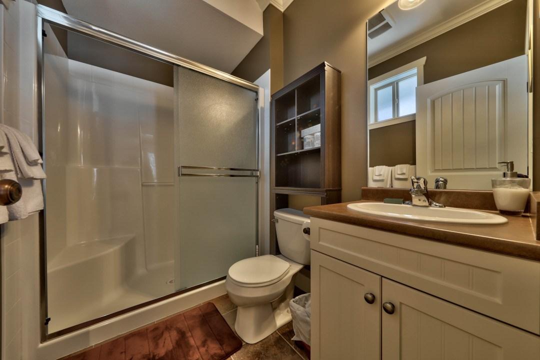 Pineview Lodge 5 Bedroom BATH