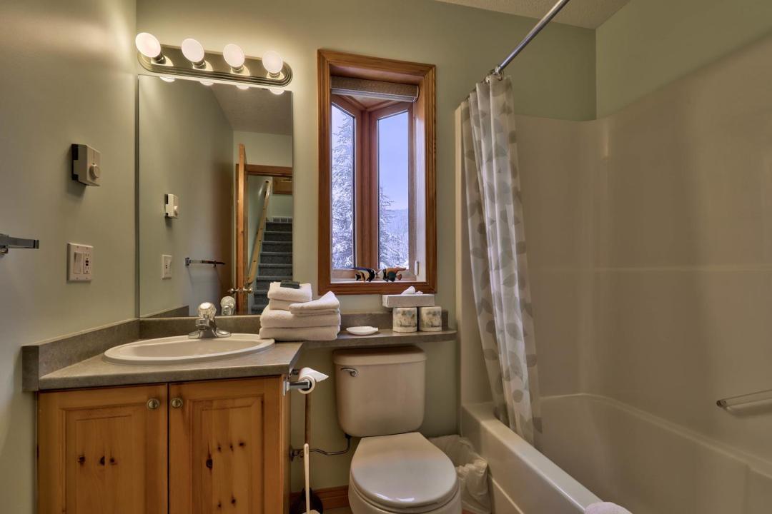 Snow Creek Village 2 Bedroom Unit #20 Bath