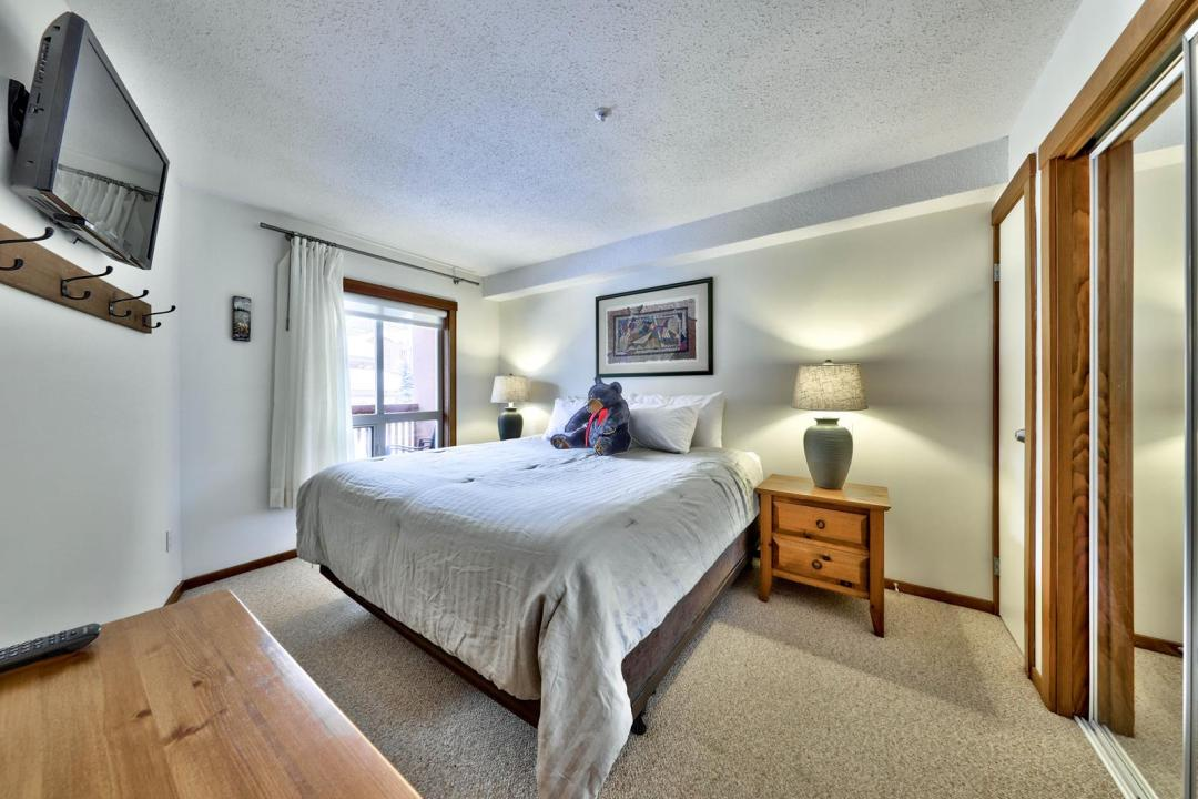 Fireside Lodge 1 Bedroom Unit #214 BR