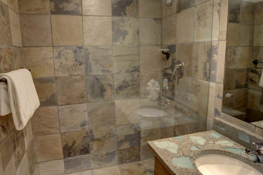 3 Bedroom Powderhorn Blackcomb Benchlands (13)