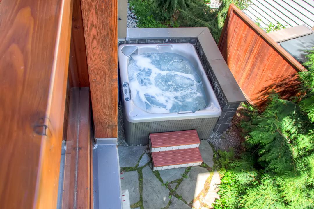 4 Bedroom Fitzsimmons Walk Whistler Luxury Rental (37)