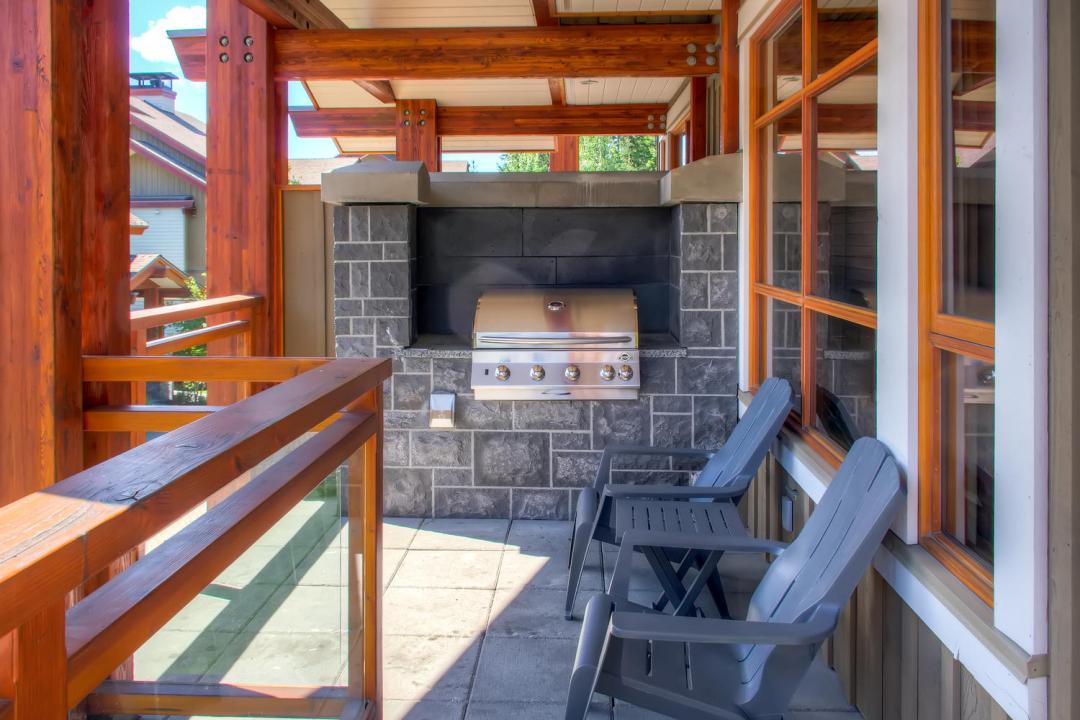 4 Bedroom Fitzsimmons Walk Whistler Luxury Rental (52)