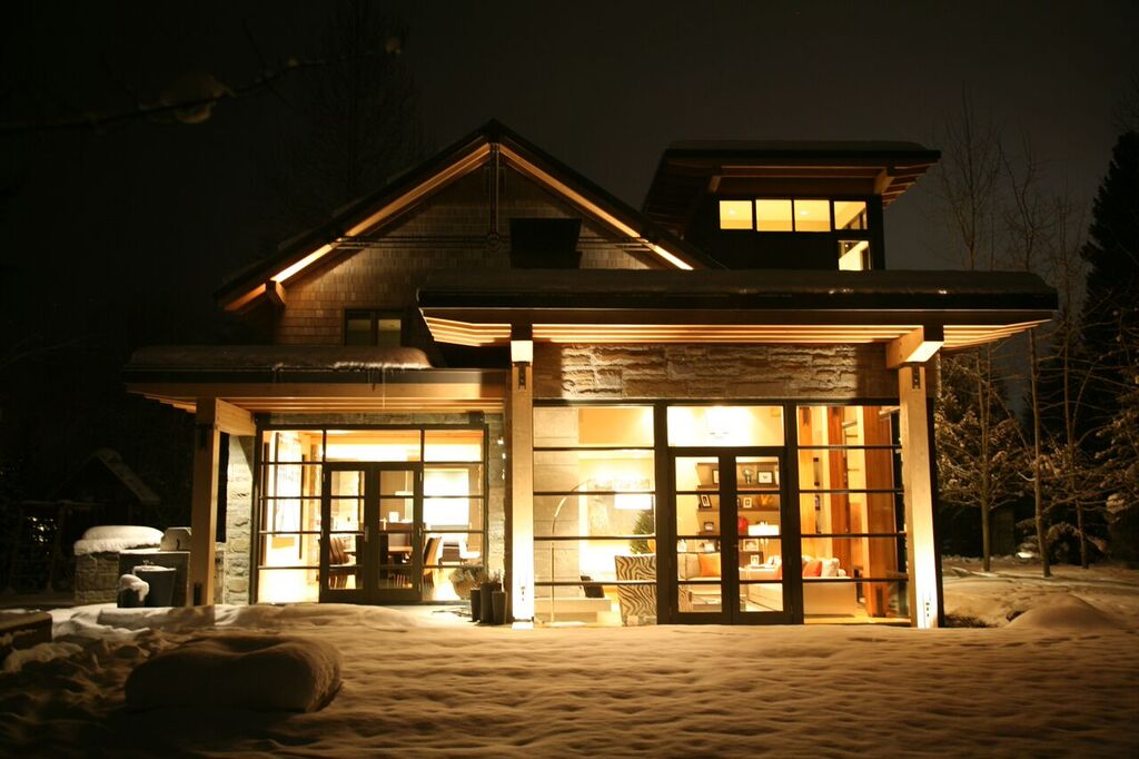 5 Bedroom Whistler home Exterior Night