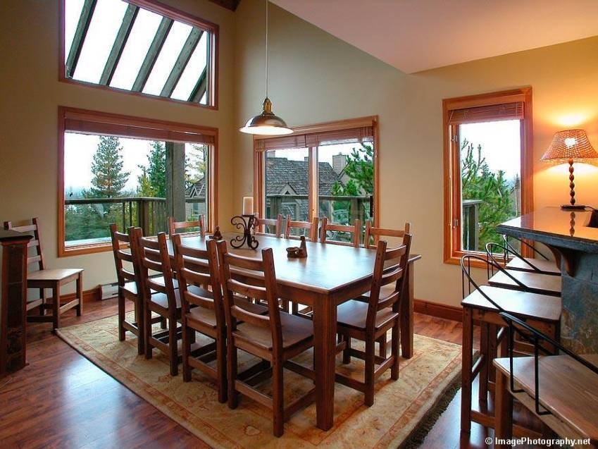 Accommodation-Whistler-Cedar-Ridge-Ski-In-Ski-Out-1