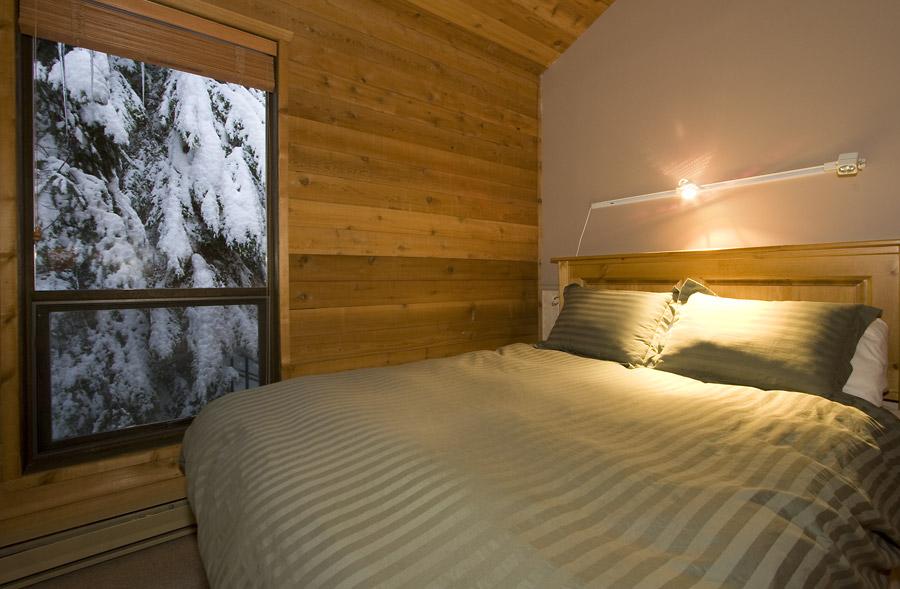 Whistler Village Accommodatio - Telemark Bedroom