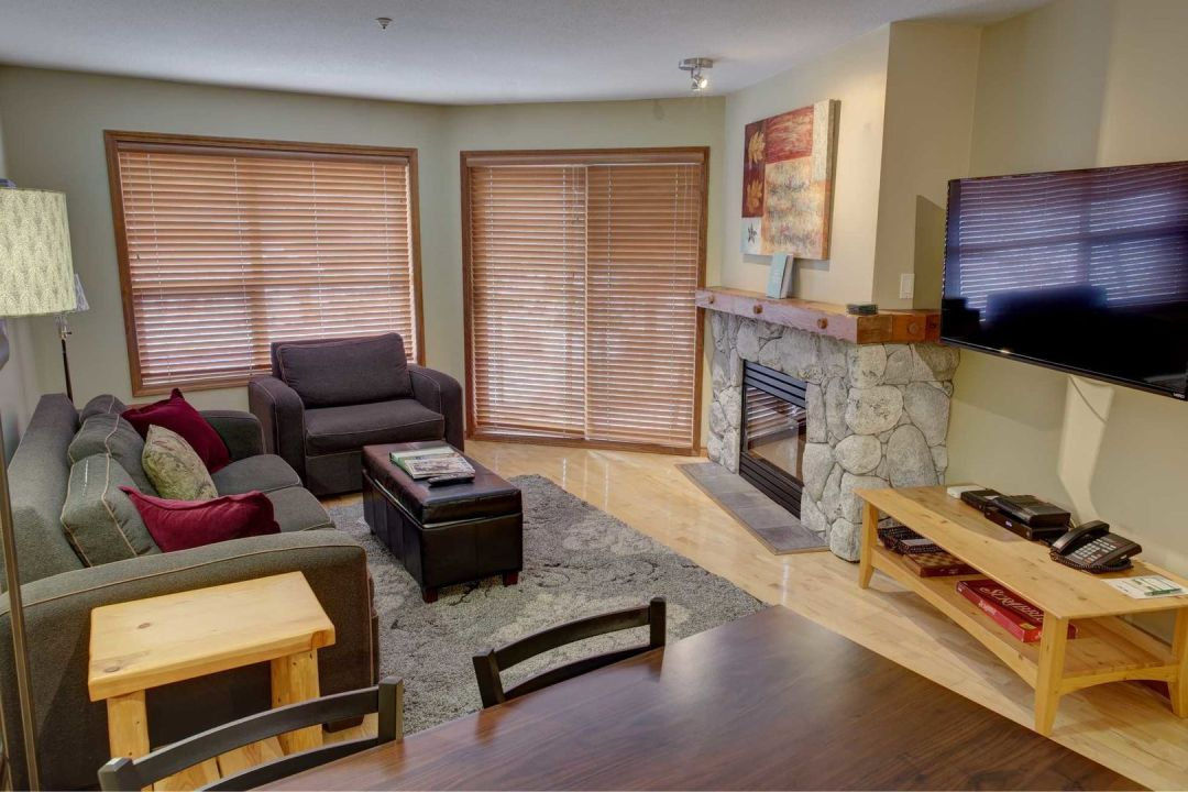 Aspens 1 Bedroom Unit 205 LR4