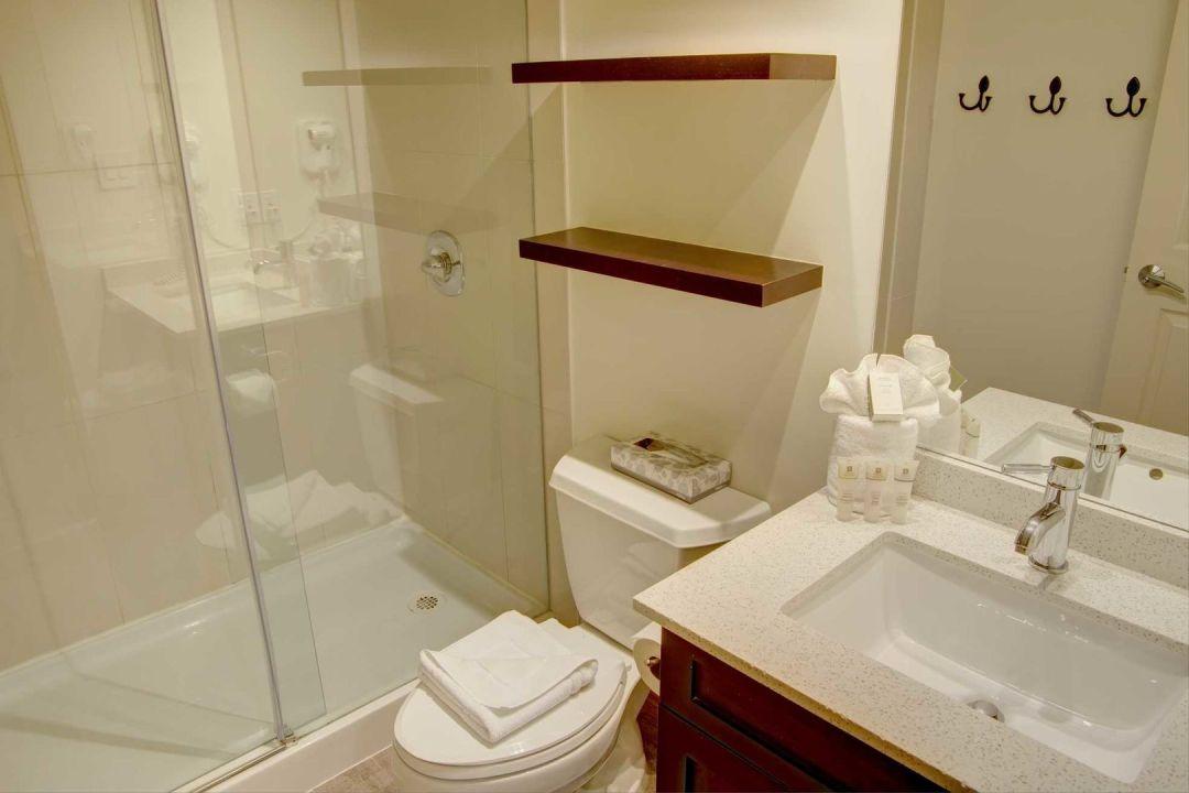 Aspens 1 Bedroom Unit 228 BATH