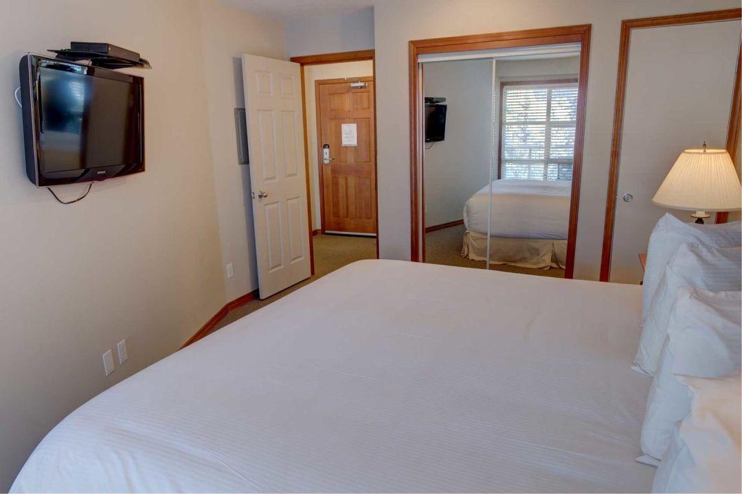 Aspens 1 Bedroom Unit 415 BR3