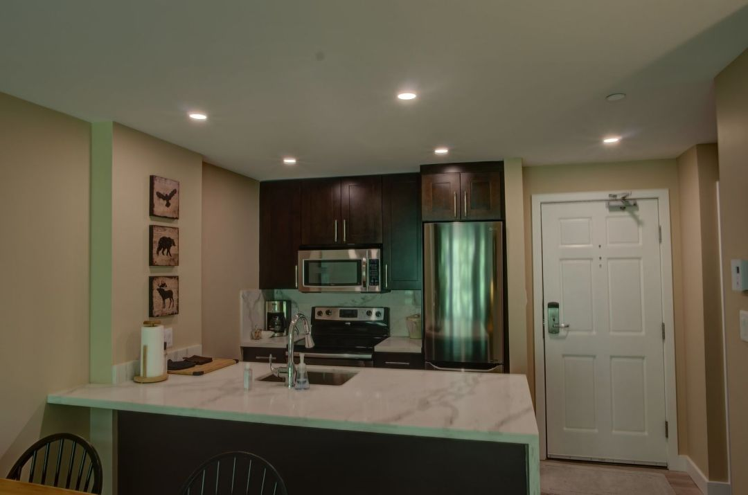 Aspens 1 Bedroom Unit 418 KIT