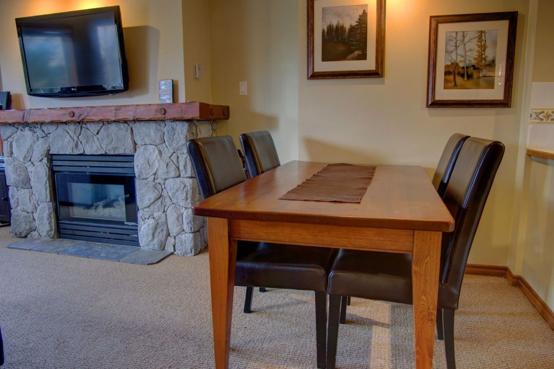 Aspens 1 Bedroom Unit 443 DR