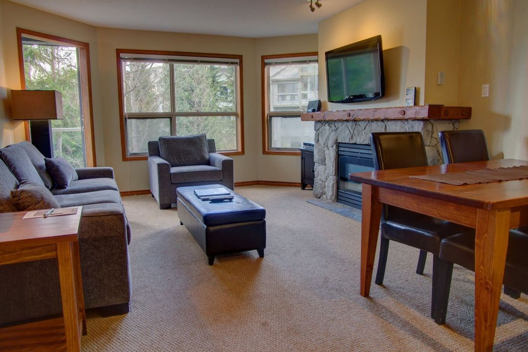 Aspens 1 Bedroom Unit 443 LR